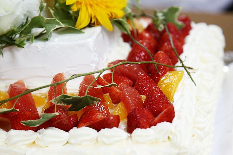 ウェディングケーキに御和いちご